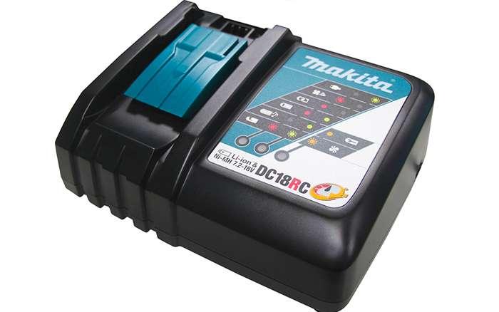 Parafusadeira-de-Impacto-a-Bateria-Makita-1-4--DTD171RTJ-18V---2-baterias---Carregador---Maleta-MAK-PAC---Bit