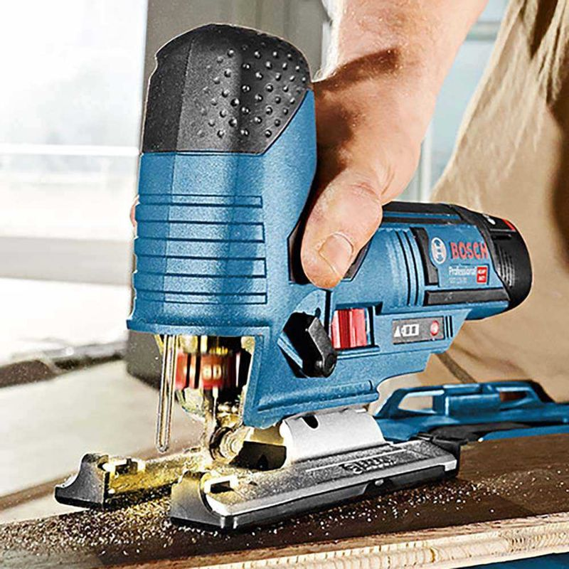 Serra-Tico-Tico-a-Bateria-Bosch-GST-12V-70-12V---Coletor-de-po-sem-Bateria-e-sem-Carregador